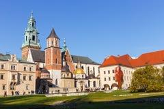 Kunglig Wawel för folkbesök slott i Krakow på november 02, 2014 Arkivbilder
