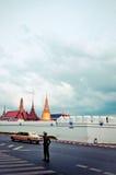 Kungliga Familyâs Rolls Royce i Bangkok Fotografering för Bildbyråer
