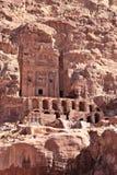 Kungliga gravvalv på Petra Royaltyfri Foto