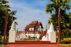 Kungliga personen parkerar Rajapruek i Chiang Mai Arkivbild