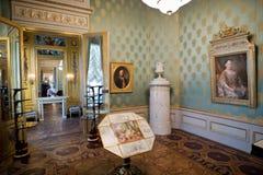 Kungligt handstilrum och guldkabinett arkivbilder