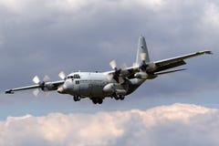 Kungligt nederländskt flygplan G-988 för flygvapenKoninklijke Luchtmacht Lockheed C-130H Hercules militärt transport från skvadro Arkivfoto