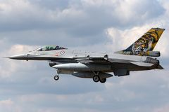 Kungligt norskt flygplan för kämpe för falk för flygvapenLuftforsvaret General Dynamics F-16AM stridighet Fotografering för Bildbyråer