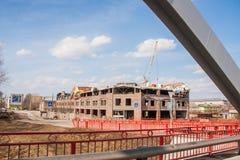 Kungur,俄罗斯- 4月16 2016年:新的企业cen的建筑 库存图片