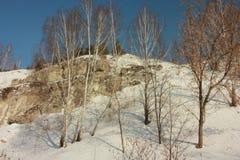 Kungur-Eis-Höhle Beschaffenheit des Felsens, umfasst mit Frost innerhalb der Höhle stockfotografie