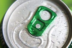 Kunna av öl med vattendroppe arkivfoton