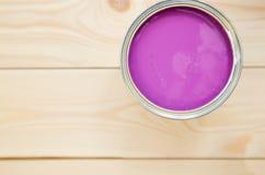 Kunna av hushållmålarfärg royaltyfri bild