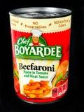 Kunna av kocken Boyardee Beefaroni arkivfoton