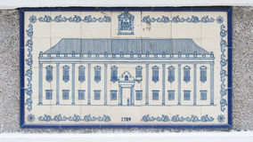 Kunst die op ceramische muur binnen van Burger en Gemeentelijke Zakendienst trekken (IACM) - Leal Senado in 1789 A D Stock Afbeeldingen