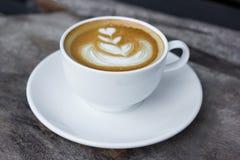 Kunst latte of cappuccinokoffie Stock Foto