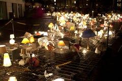 Kunst met bureaulampen met lichten bij het jaarlijkse Lichte Festival van Amsterdam op 30 December, 2013. Amsterdam Lig Stock Afbeeldingen