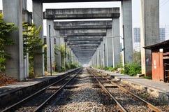 Kunst op Bangkok Opgeheven Weg en Treinsysteem BERTS of HopeWell-Project in Bangkok Thailand Royalty-vrije Stock Foto