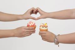 Kunst van doughnut in de hand Royalty-vrije Stock Afbeelding