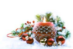 Kunst-Weihnachtsdekorationen auf weißem Hintergrund Stockbild