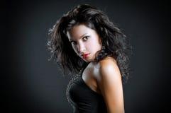 Kunstart und weisefoto der jungen reizvollen Frau des Portraits Stockbild