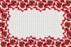 Kunstbloemen op witte achtergrond worden geïsoleerd die Royalty-vrije Stock Fotografie