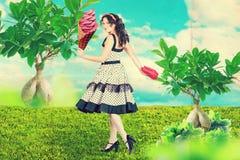 Kunstcollage mit schöner Frau stockfotos
