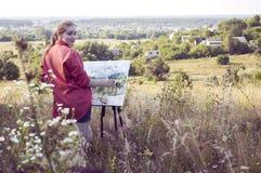 Kunstenaar op de duidelijke lucht Stock Fotografie