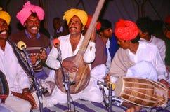 Kunstenaars bij Kameelmarkt, Jaisalmer, India Stock Foto