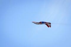 Kunstfliegen stellen durch Luftfahrtgruppe Kunstfliegenc$militär-luftkräfte von Russland Strizhi dar Lizenzfreie Stockfotografie