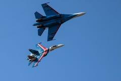 kunstfliegen Zwei schwere Kämpfer Lizenzfreies Stockbild