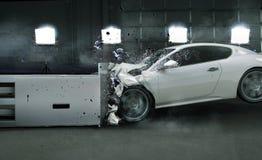 Kunstfoto des zerschmetterten Autos Stockbild