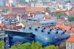 Kunsthaus i staden av Graz, Österrike fotografering för bildbyråer