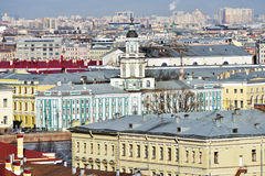Kunstkamera和圣彼得堡,俄罗斯都市风景  免版税库存照片