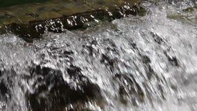 Kunstmatige watervallen stock video