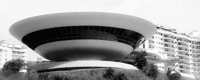 Kunstmuseum in der Niteroi-Stadt Lizenzfreie Stockfotografie
