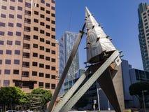 Kunstvoorwerp en skyscrappers van de binnenstad Stock Afbeelding
