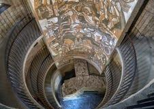Kunstwerk binnen de Ronde hoek van het torenzuidoosten, versterkte kerk van St Michael stock fotografie