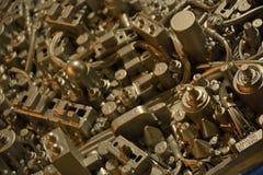 Kunstwerk van elektronische delen wordt gemaakt dat Royalty-vrije Stock Afbeeldingen