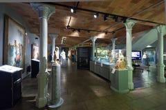 Kunstwerken in binnenland van Museo DE Modernismo Catalan in Barcelona Stock Fotografie