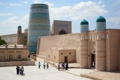 Kunya tillflyktcitadell och Kalta minder?rig Itchan Kala Khiva uzbekistan arkivfoto