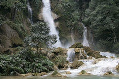 kuoanglaos si vattenfall Fotografering för Bildbyråer