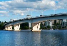 Kuokkala Bridgei i Jyvaskyla, Finland. Arkivfoton