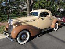 Kupé 1935 för sport för klassikerOldsmobile F serie Arkivbild