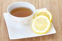 Kupa av citrontea royaltyfria foton