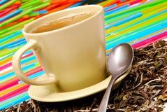 Kupa av den gröna teaen arkivfoton