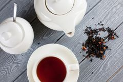 Kupa av tea med teapoten Top beskådar Royaltyfri Fotografi