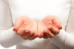 kupad kvinna för händer s Royaltyfri Fotografi