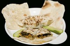 Kupaty a fait frire la pâtisserie bourrée aux oignons, persil, coriandre d'aneth Photo stock