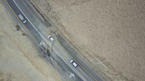 Kupczy na pustynnej drodze nieżywy morze obrazy stock