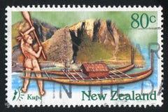 Kupe Przyjeżdża Nowa Zelandia na łodzi obraz royalty free
