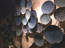 Kupfer-förmige Lotosblätter sind eine Kombination des Blumenstraußes welches i stockbild