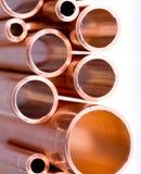 Kupferne Rohre des unterschiedlichen Durchmessers Lizenzfreie Stockfotos