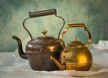 Kupferne Teekanne der Weinlese Lizenzfreie Stockbilder