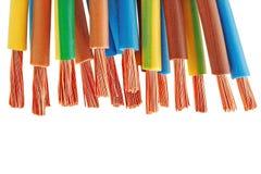 Kupferner elektrischer Draht lokalisiert auf einem weißen Hintergrund lizenzfreies stockfoto