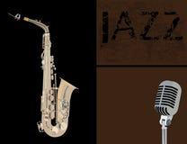 Kupfernes Saxophon und Mikrofon Stockfotos